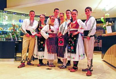 18 belgrade-serbian-dancersaR
