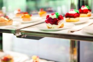 SCE0037_River_Cafe_Dessert_scenic_day_031386